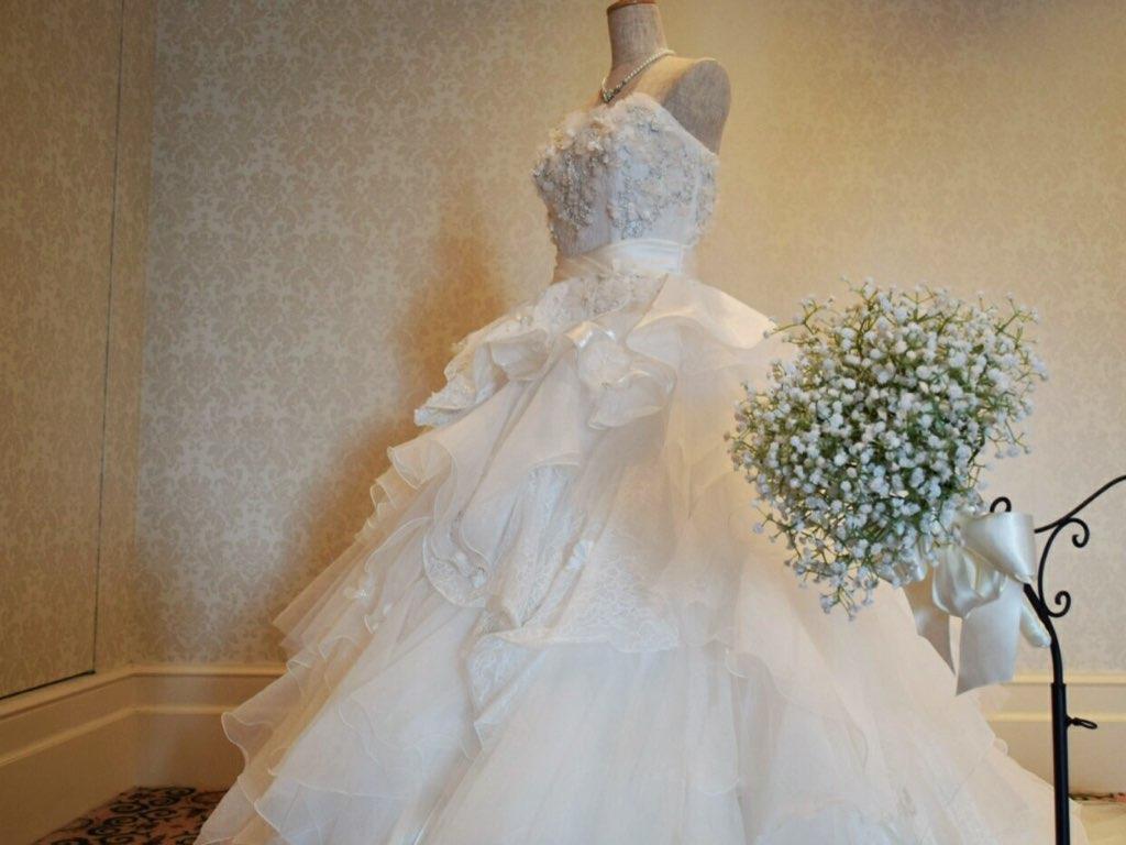 ディズニー結婚式のウエディングドレス