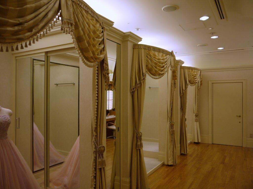 ディズニー結婚式の美容室