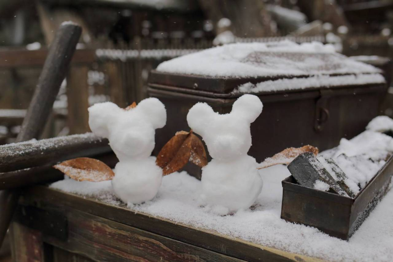 ミッキーシェイプの雪だるま