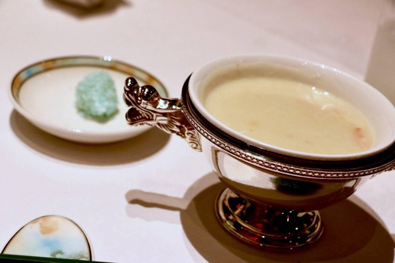 シルクロードガーデンのランチコースの蟹肉入りポテトスープ